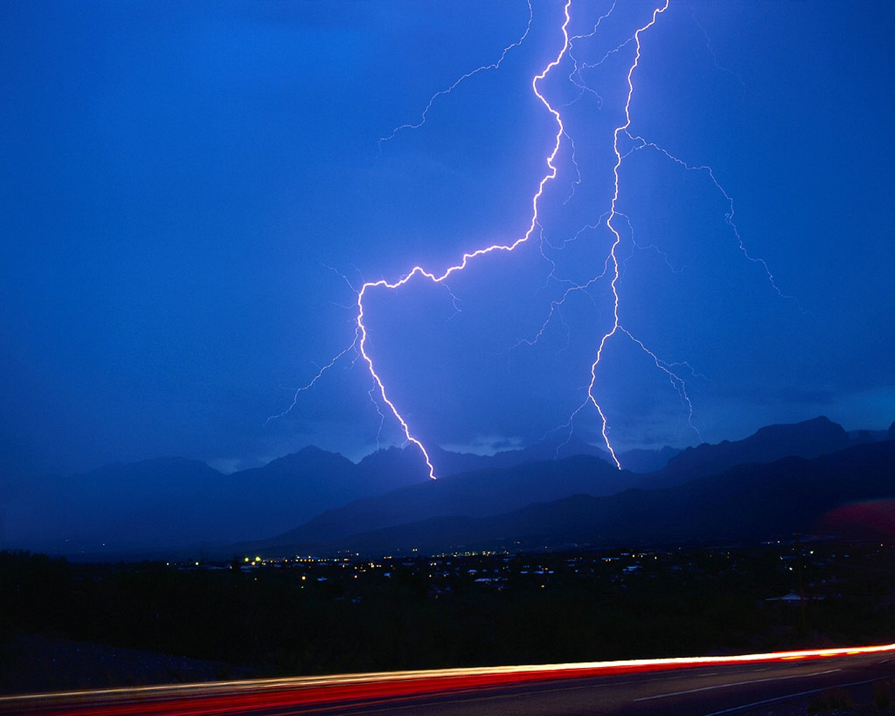 XMWallpapers.com -- wallpaper storms lightning Double Blue ...